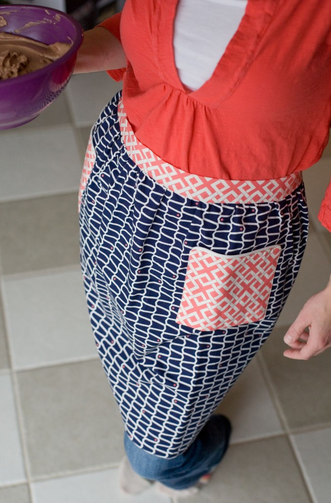 Fan Friday | Iconic Apron by Hemming Birds | Camelot Fabrics
